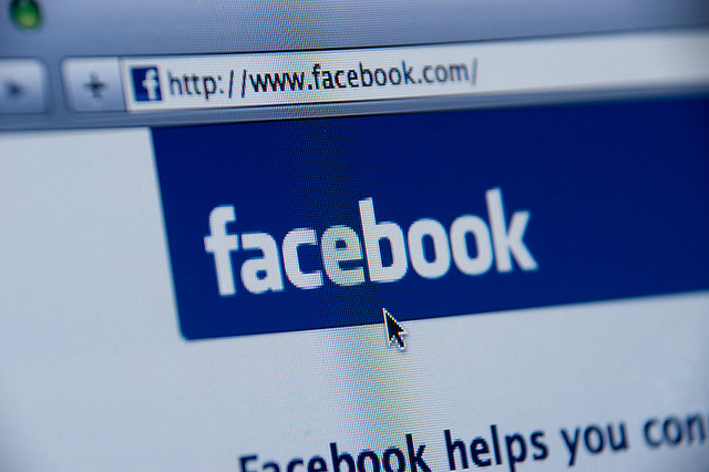 Le dinamiche emotive tra scienza e complotto su Facebook