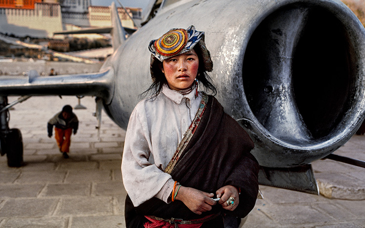 "Mostra ""ICONS AND WOMEN"" di Steve McCurry a Forlì, fino al 10 gennaio 2016"