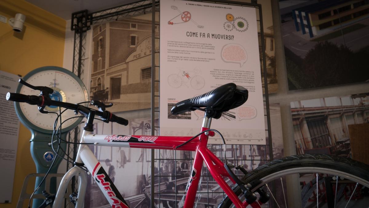 Il tesoro a pedali: la bicicletta in mostra al Museo dellaBilancia